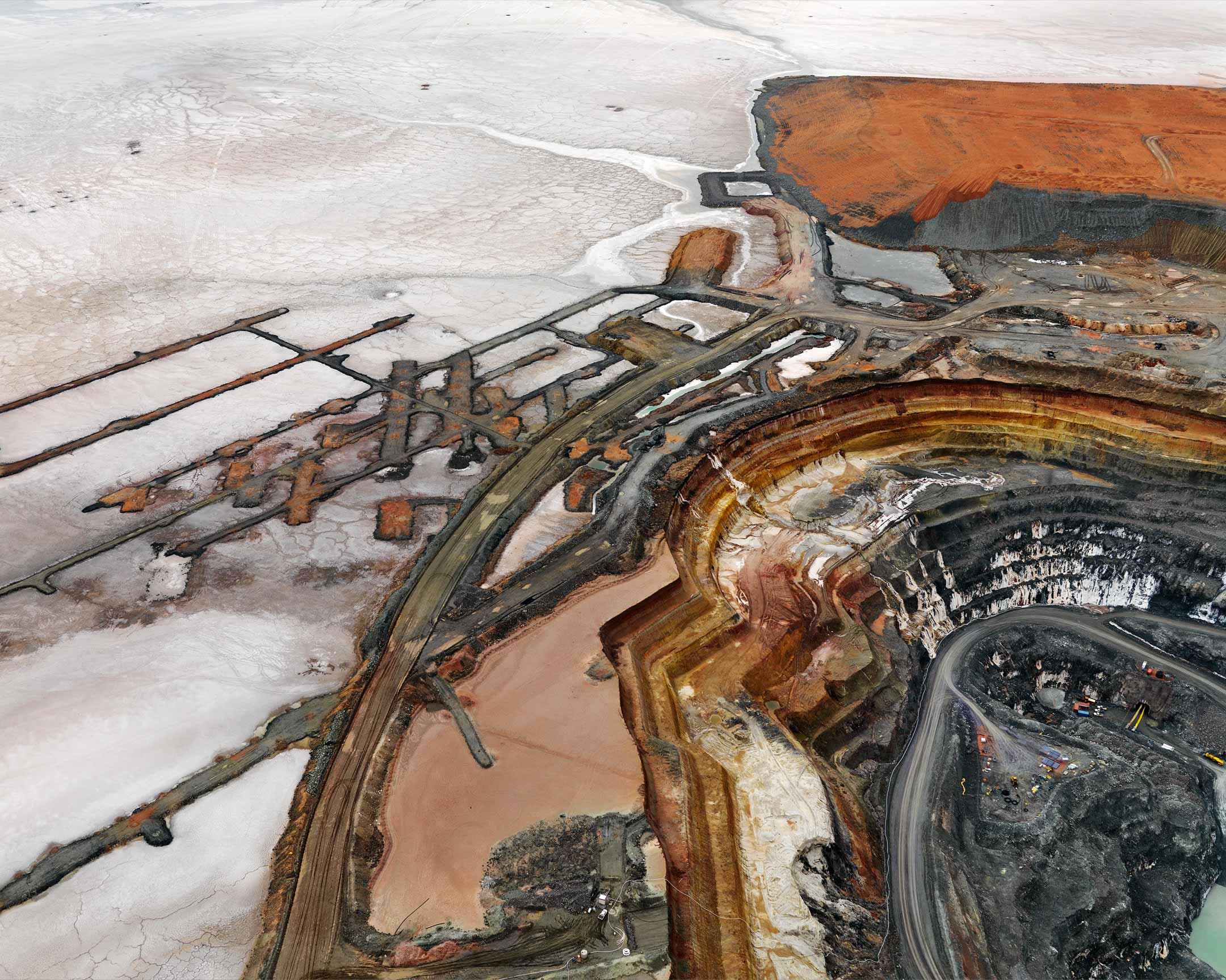 Edward-Burtynsky,-Silver-Lake-Operations-#14,-2008-(2010