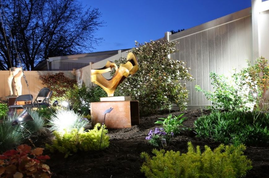 506 Ash Studio's garden, May 2014; sculptures by Jarrett Hawkins; photo by Joe Nicholas  DA7A0107[1]