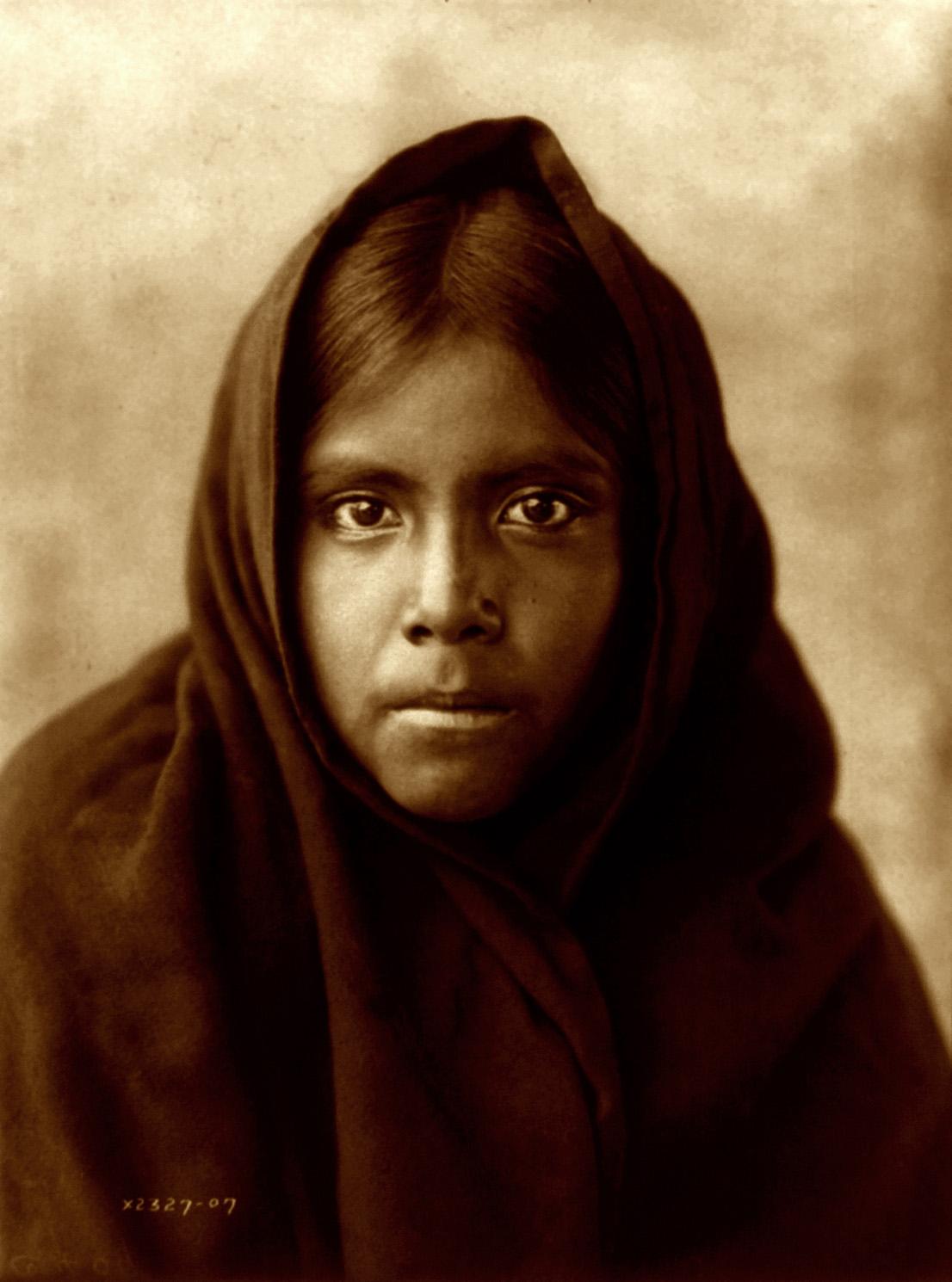 Edward_S._Curtis,_Qahatika_girl,_Arizona,_1907_(1)