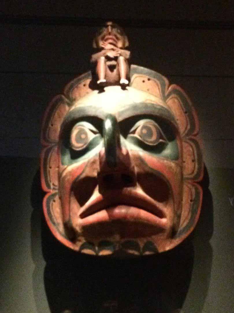4.Sun-Thunderbird-mask,--wakwaka'wakw---Untitled-(sun