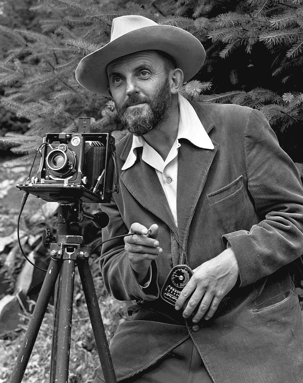1 Ansel_Adams_and_camera-Greany