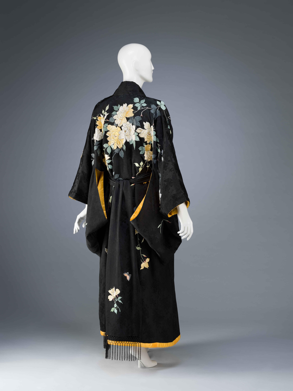 9)-KIMONO-Dressing-Gown-2012