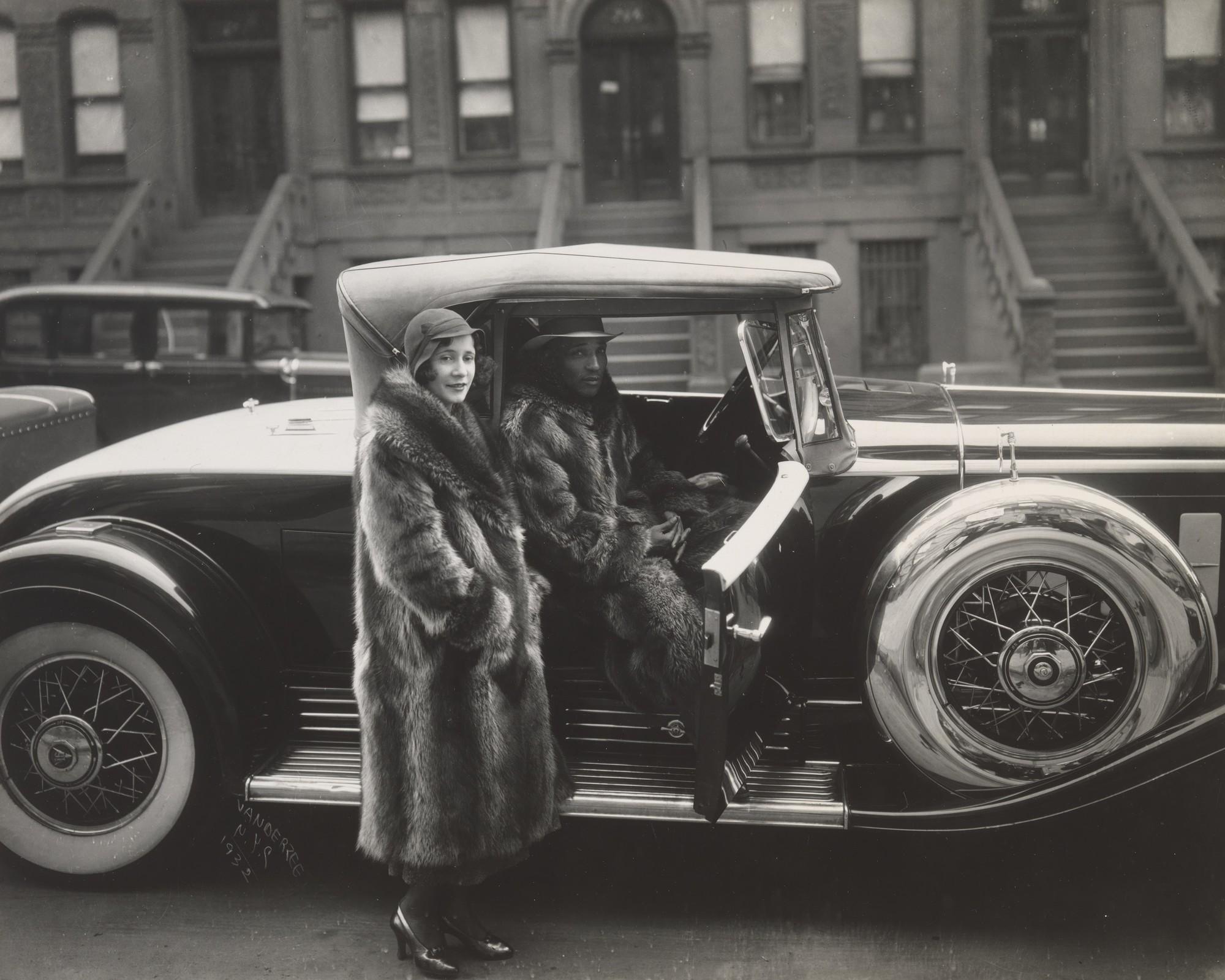 3 Vanderzee-CoupleHarlem-1932