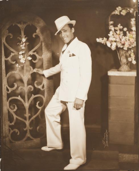 9 Vanderzee-HarlemPlayboy-1937