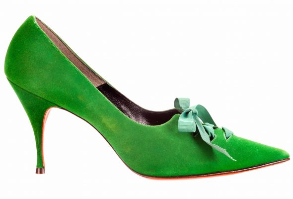 """""""Walk This Way: Footwear from the Stuart Weitzman Collection of Historic Shoes,"""" Taft Art Museum through June 6, 2021"""